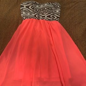 ❤️🌸Strapless Dress size Small 🌸❤️